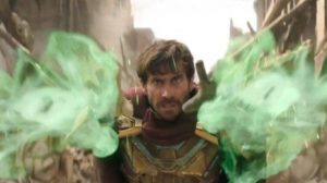 SPIDER-MAN: FAR FROM HOME - New Look at MYSTERIO Revealed  https://comicbook.com/marvel/2019/04/12/spider-man-far-from-home-mysterio-revealed/…pic.twitter.com/Nq4gRdLcZN
