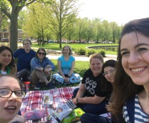 It's all smiles and sunshine for these #LionsAtWork who celebrated #EarthDay with a picnic in the park!pic.twitter.com/i3bPbtZKbb